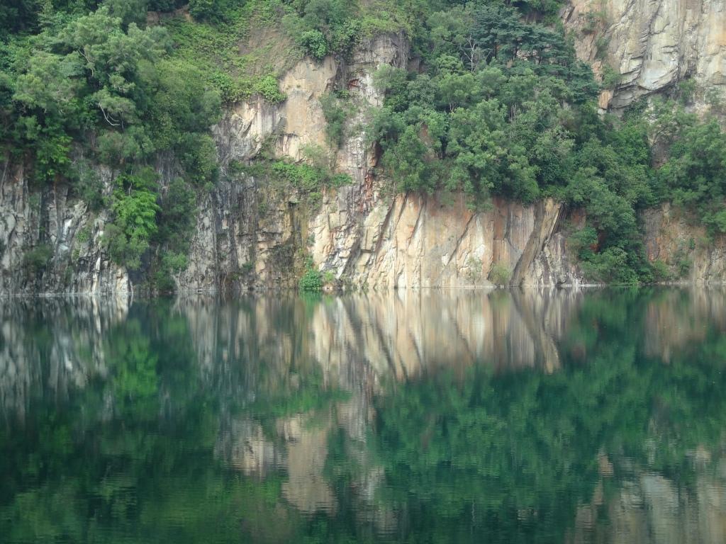 A crystal clear reservoir